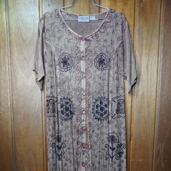 Studio East NY Dresses & Skirts - Studio East NY Short Sleeve Gray Floral Print